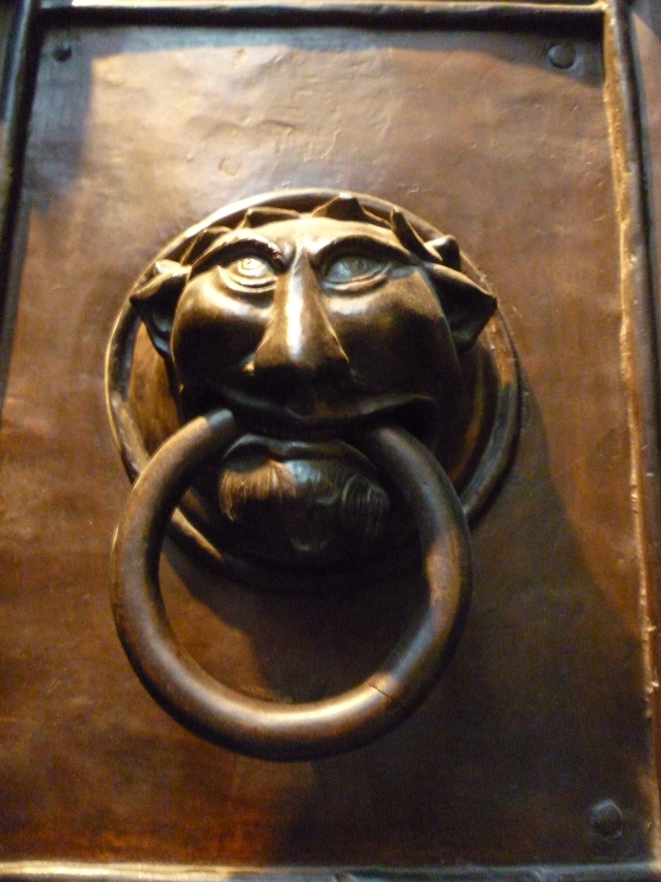 labyrinth doorknocker